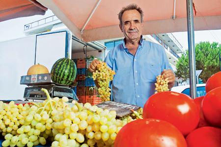 Τάσος Οικονόμου: Φρούτα και κηπευτικά από την Αρχαία Κόρινθο