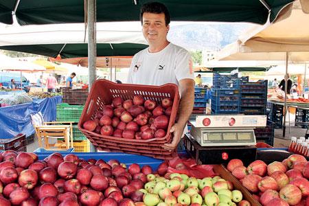 Γιάννης Αλμπάνης: Ορεινά μήλα ξεχωριστής νοστιμιάς.